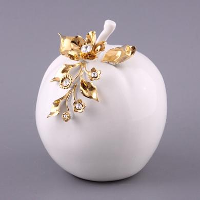Яблоко из фарфора